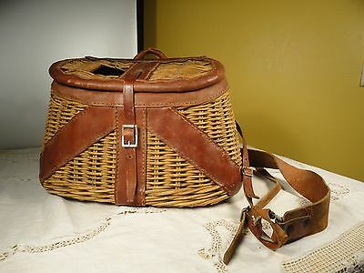 Vintage Fishing Creel Leather and Wicker Nice Condition