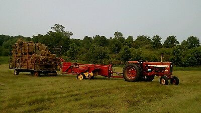 New Holland 310 Small Square Baler w/ Thrower