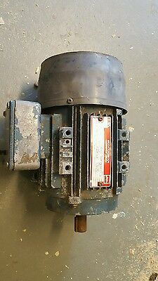 Brook crompton 3 phase dual voltage 0.75 kw electric motor