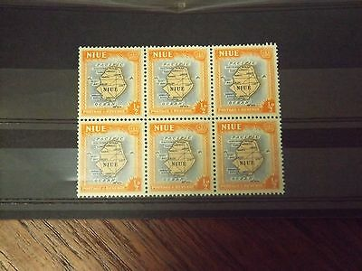 Block of 6 stamps from Niue-SG113-MNH