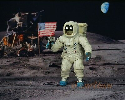 Apollo 11 Lunar Landing Space Astronaut Neil Armstrong 1:18 Figure Model K1176 A