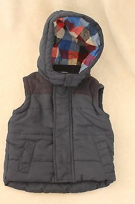 Up To 3 Months / 0-3 Months Baby Boys Body Warmer With Checked Hood