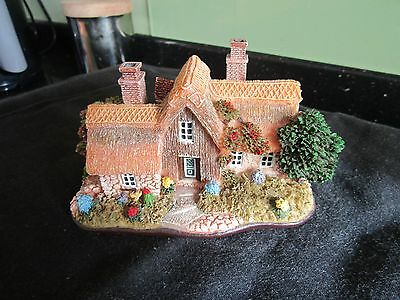 Attractive Miniature Thatched Cottage (Lilliput Lane?) - with Rose Archway Nice