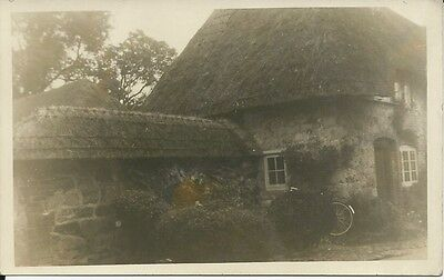 Vintage RP postcard of old thatched cottage, Avebury, Wiltshire