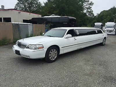 """2004 Lincoln Town Car  2004 Lincoln Towncar 120"""" Limo"""