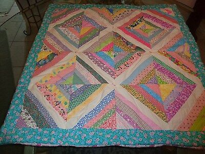 """Adorble HANDMADE baby quilt Girl's Multi Colors Pattern Pull Tied 34"""" VNUC"""