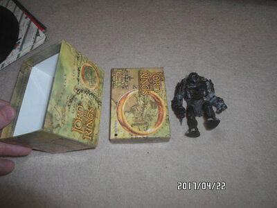 a lord of the rings lead figure cave troll