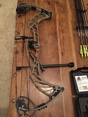 2017 Hoyt Pro Defiant Turbo (with Extra Attachments)