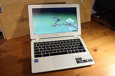 Acer Chromebook CB3-111, Intel Celeron, 4Gb RAM, 32Gb eMMC BUNDLE case + shell