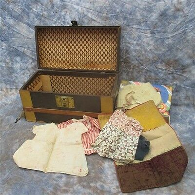 Steamer Box Vintage Salesman Sample Immigrant Trunk Child Doll Clothes Vintage a