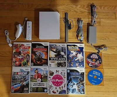 NINTENDO Wii white Console Bundle lot with 10 games and more! Tested!