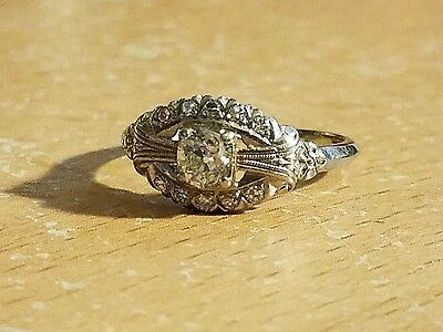 BEAUTIFUL Antique Art Deco 18K White Gold and Diamond Ring