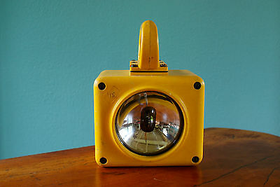 Vtg US Navy Emergency Spot Light Military Ship Yellow Hand Held Battery Lantern