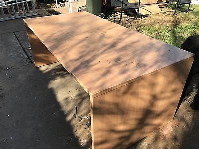 Large Office Desk. EUC. Pick Up Geelong