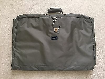 NWOT Briggs & Riley Lightweight Tri-Fold Garment Bag Carry-on Luggage Travelware