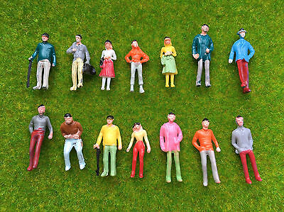 1:75 OO Scale Architecture Painted Model Figures People : Pack of 50