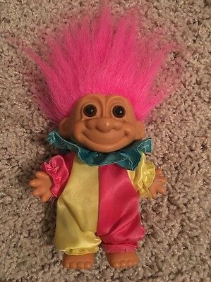 "RUSS Berrie 5"" Troll Doll in Blue Yellow Clown Suit Hot Pink Hair"