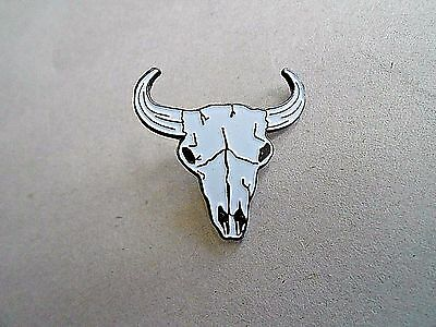 Vintage Western Style Buffalo Skull Hat or Lapel Pin