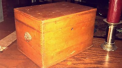Vtg Dovetailed Sew Box W/ ComPartments Tray Supplies + Singer Machine Parts