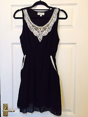 Cameo Rose Ladies Black Dress With Lace Detail Size M