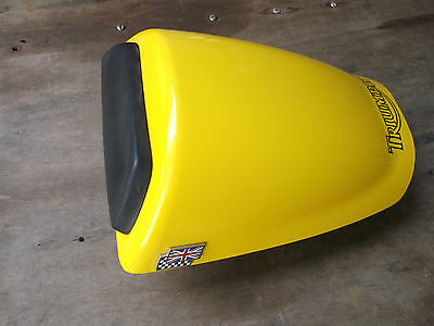 TRIUMPH DAYTONA 955i GEN 2 GENUINE SEAT HUMP IN YELLOW 2002