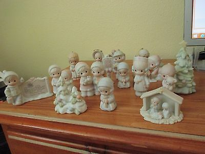 Precious Moments Lot 17 Mostly Sugar town, (13)  and (4) other small figures