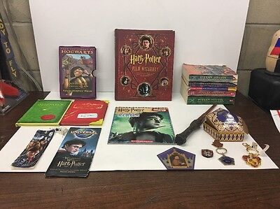 HARRY POTTER BOOKS QUIDDITCH , FILM WIZARDRY, WOND, Chocolate Frog KEYCHAINS Lot