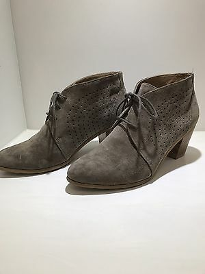 Hush Puppy Ladies  Ankle Boot In Taupe Size 8 To 8.5