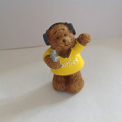 Brownie Resin Bear Wearing Headphones Discontined Girl Guiding Product