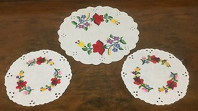 Vintage Linen - Hand Embroidered Doilies - Duchess Set - 3 Pieces - Stunning