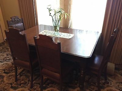 Antique Beautiful Extendable Dining Table with Matching Grand Chairs