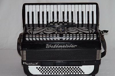 Piano accordion akkordeon  WELTMEISTER CAPRICE N  80 bass