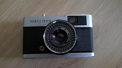 OLYMPUS Trip 35 Camera With D.Zuiko 40mm f/2.8 Lens White Button