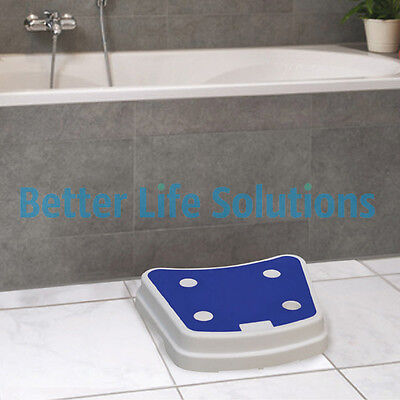 Plastic Bath Step | Large platform with a Rubberised Non-Slip Surface