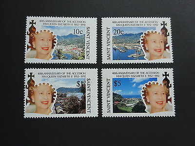 St Vincent 1992  - 40th Anniv of QEII Accession  - MNH
