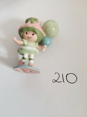 VINTAGE STRAWBERRY SHORTCAKE FRIEND Figure Lime Sorbet With Balloons
