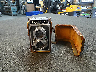 Ricohflex Model VII Camera w/ Leather case