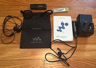 Vintage Sony Walkman WM-EX615 Personal Cassette Player -- in box and working !