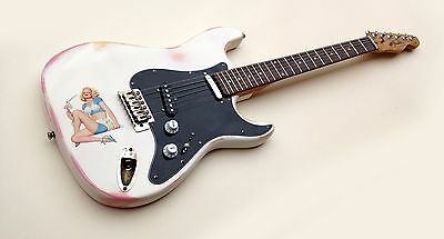 Fender Squier Stratocaster - Telecaster Pin-Up Vintage Relic Guitar 60'S