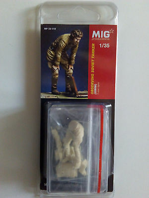 Mig Productions 1/35 Observing Russian Tanker WWII 35-119
