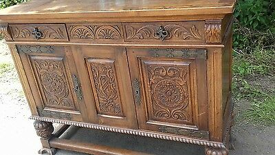 STUNNING ANTIQUE EARLY 20THC  HEAVILY CARVED FRENCH SIDEBOARD IN NICE COND/key