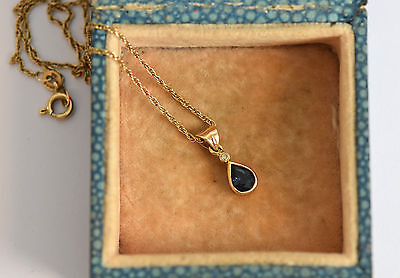 Stunning 18ct gold pear cut sapphire and diamond pendant chain necklace