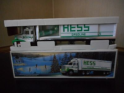 1987 Hess Truck Bank In Mint Condition W/ Minor Box Issue