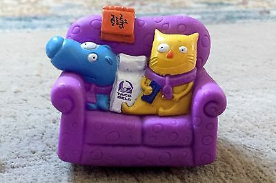 Vintage 1995 Taco Bell Nacho And Dog Couch Mobile Pull Back Toy Of Mutts & Men