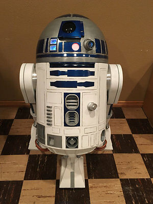 R2-D2 1:1 Scale Droid Prop Star Wars