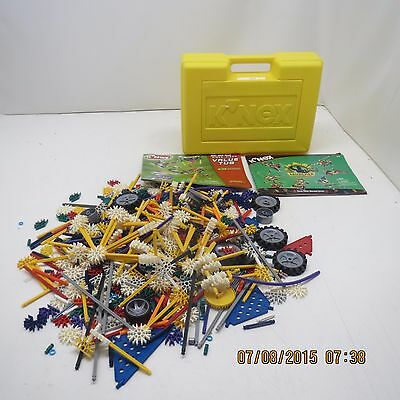 K'NEX Building Set - 900 + With Yellow Storage/Carrying Case - Very NICE