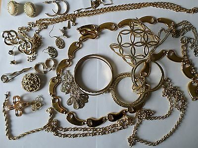 Job lot nice gold tone costume jewellery earrings chains bangles necklaces W