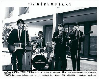 The Wipeouters, RARE official 8x10 GLOSSY press photo! pre-Devo surf band, 2001