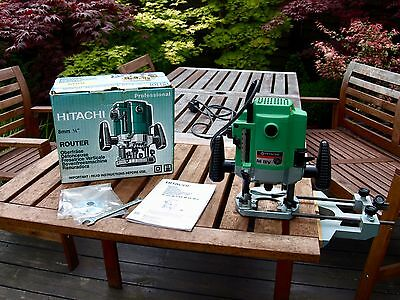 "Hitachi Professional M8V Variable Speed ¼"" Plunge Router with Parallel Guide"