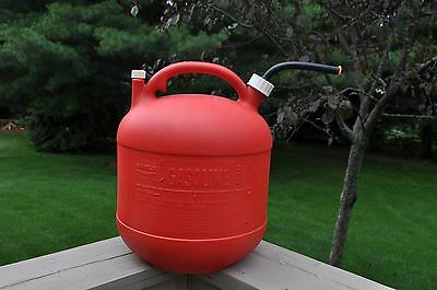 Vintage Eagle 5 Gallon Plastic Gas Can With Screened Spout And Seal Plug